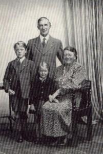 Family Portrait 1949 - Seth, Bessie, Seth Jr., Evangeline