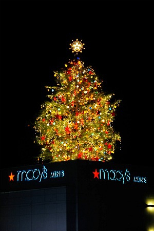 Macy's Christmas Tree - Lenox Square